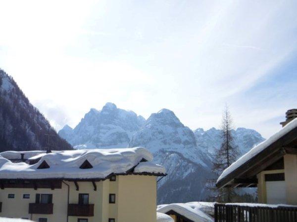 Foto esterno in inverno Alberti