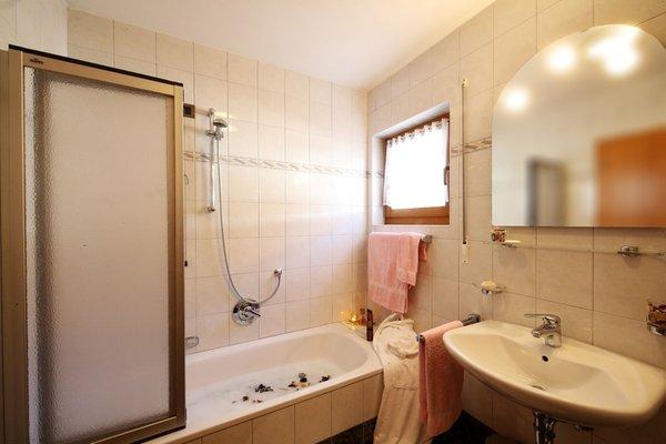 Foto del bagno Appartamenti Ciasa Rudiferia
