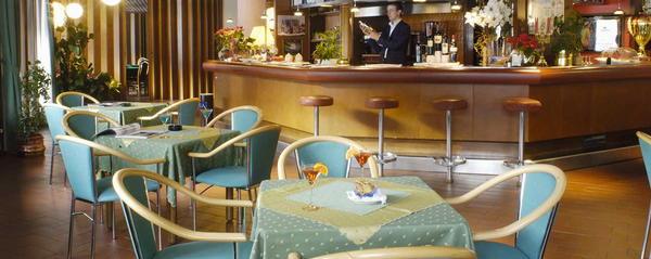 Foto del bar Hotel Mirella