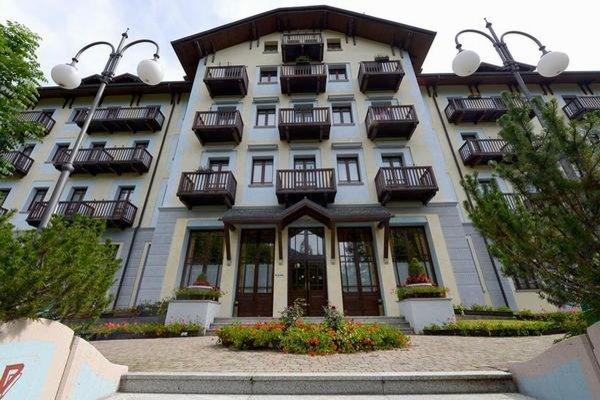 Foto estiva di presentazione Palace Pontedilegno Resort - Hotel + Residence 3 stelle