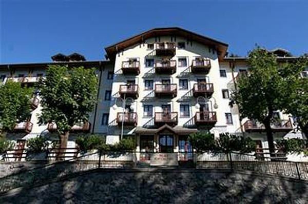 Foto esterno in estate Palace Pontedilegno Resort