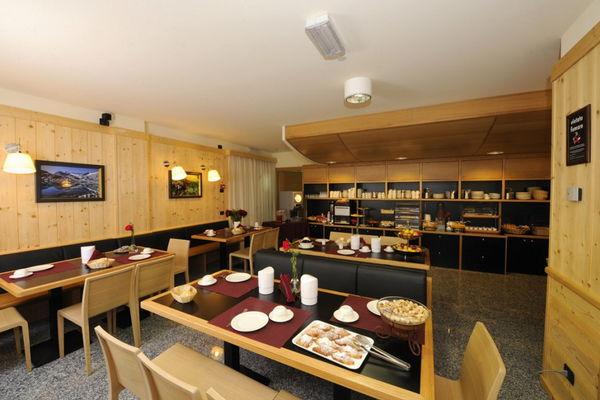 La colazione Pegrà - Garni-Hotel 3 stelle