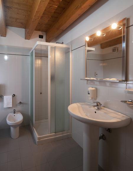 Foto del bagno Hotel Piandineve