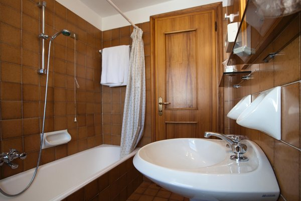 Foto del bagno Hotel Chalet Alpino