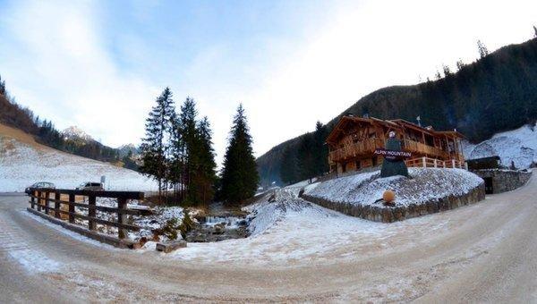 Foto invernale di presentazione Appartamenti Alpine Mountain Chalet