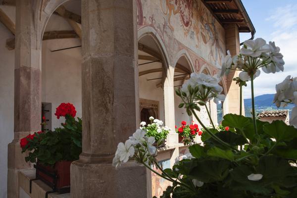 Schloss Castel Prösels TradItDeEn [it=Fiè allo Sciliar, de=Völs am Schlern, en=Fiè allo Sciliar / Völs am Schlern]
