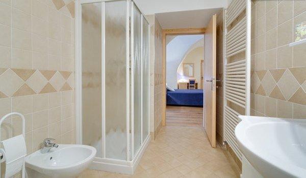 Foto del bagno Camere + Appartamenti in agriturismo La Canonica