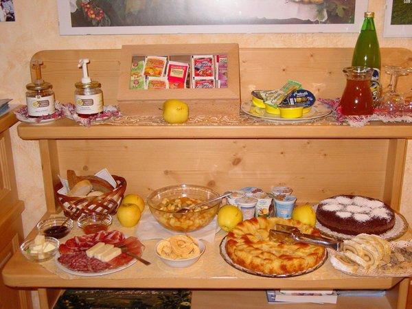La colazione Monte Pin - Camere + Appartamenti in agriturismo 4 fiori