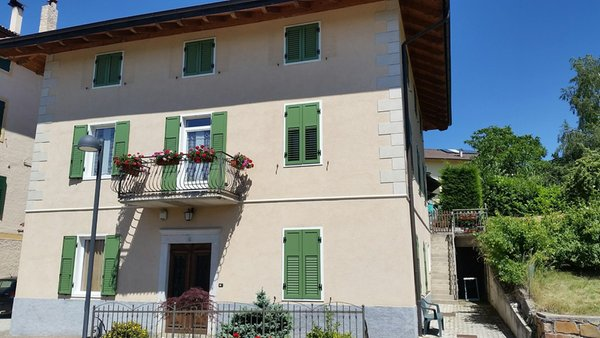 Foto esterno in estate Casa Rizzi