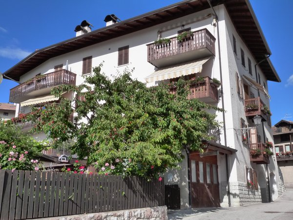Foto esterno in estate Brentari Cornelio