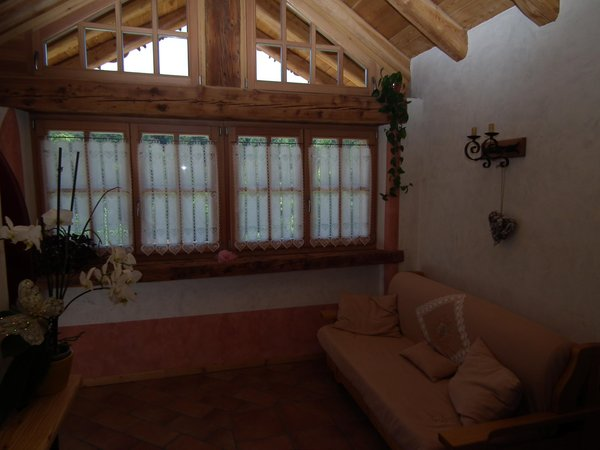 La zona giorno Alpenvidehof - Appartamenti in agriturismo 2 fiori