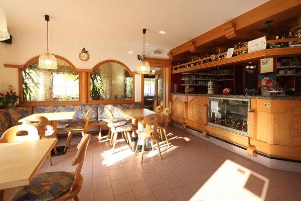 Foto von der Bar Hotel Bucaneve