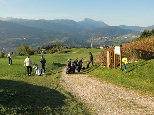 Foto esterno in estate Dolomiti Golf Club