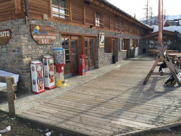 Foto estiva di presentazione Noleggio sci e snowboard Montelli Sport
