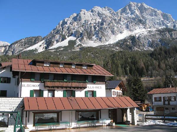 Foto esterno in inverno Villa Ines