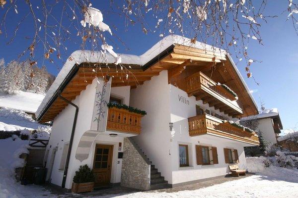 Foto invernale di presentazione Ciasa Vilin e dep. Ciasa Ruances - Appartamenti 2 soli