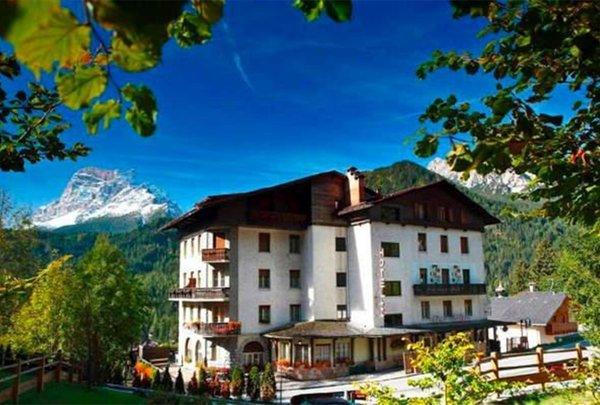 Foto estiva di presentazione Hotel Cima Belprà