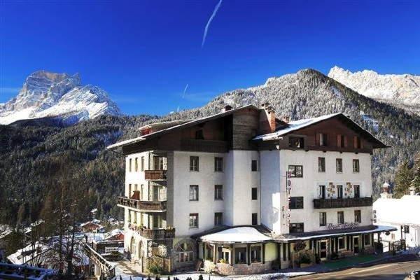 Foto invernale di presentazione Hotel Cima Belprà
