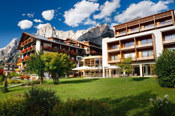 Foto estiva di presentazione Residence Villa Ladinia