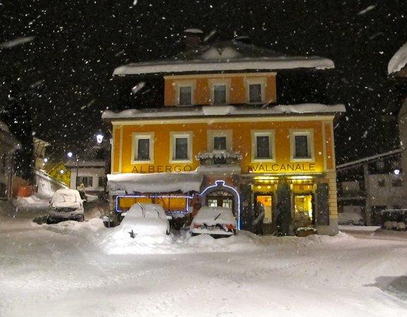 Foto invernale di presentazione Valcanale - Garni-Hotel 1 stella