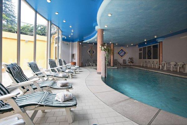 La piscina Hotel Centro Benessere Gardel - Hotel 3 stelle