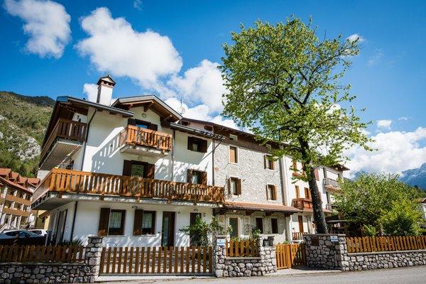 Foto esterno in estate Lago di Barcis - Dolomiti Friulane