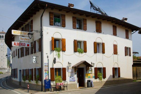 Foto esterno in estate Borghese
