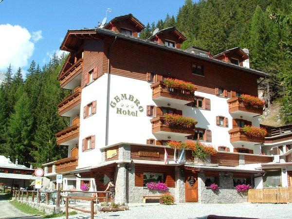Foto estiva di presentazione Gembro - Hotel 3 stelle