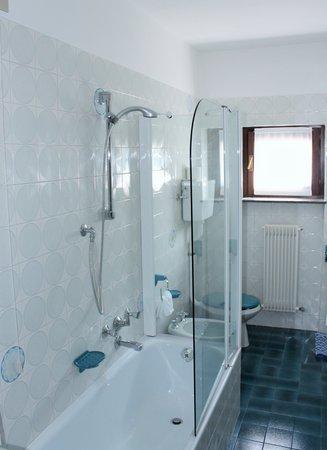 Photo of the bathroom Hotel Meublé La Betulla