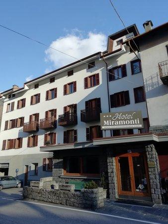 Foto estiva di presentazione Hotel Miramonti