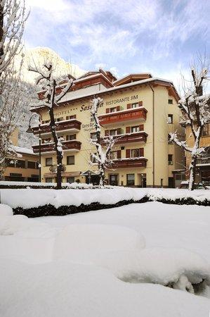 Foto esterno in inverno Sassella