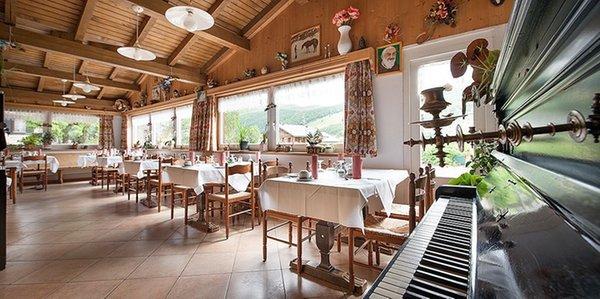 http://images.yesalps.com/hp/447262/83646_ristorante-steinbock.jpg
