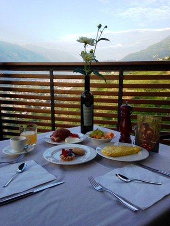 Il ristorante Poggiridenti (Sondrio - Valmalenco) Wine Hotel Retici Balzi