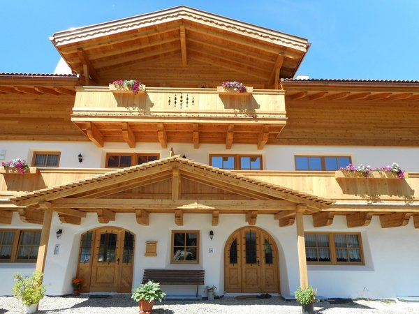 Foto esterno in estate Bruggerhof al Klausberg
