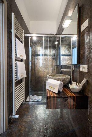 Foto del bagno Hotel Corona