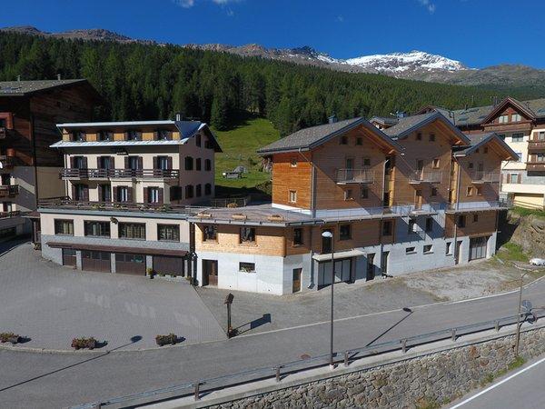 Foto esterno in estate Adler Rooms & Mountain Apartments