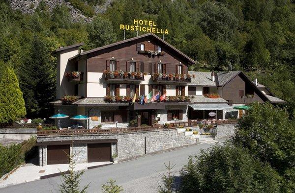 Foto estiva di presentazione Rustichella - Hotel 3 stelle