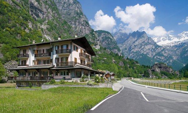 Foto estiva di presentazione Sasso Remenno - Hotel 2 stelle