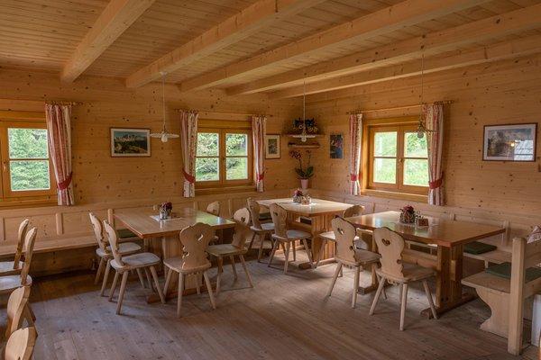 The restaurant Valley Funes / Villnösser Tal Alpine farm Kaserill Alm