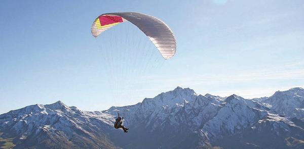 Foto estiva di presentazione Parapendista e Snowboarder Gabriel Rainer - null