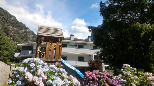 Foto estiva di presentazione B&B Affittacamere Valchiavenna - B&B + Appartamenti