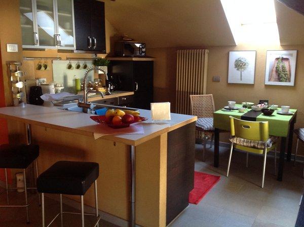 Foto della cucina Rooms & Breakfast Tirano