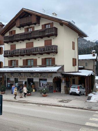 Winter Präsentationsbild Ferienwohnungen Fiori Andrea