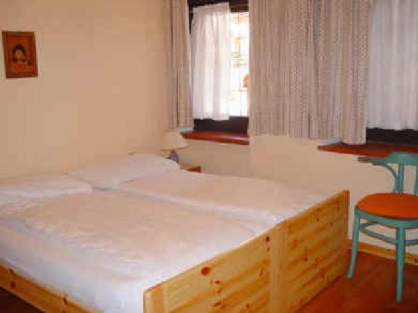 Appartamenti assunta canazei val di fassa for Grande disposizione della camera familiare