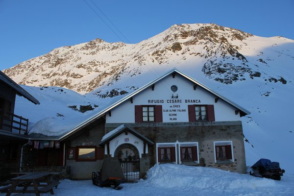 Winter presentation photo Mountain hut Branca