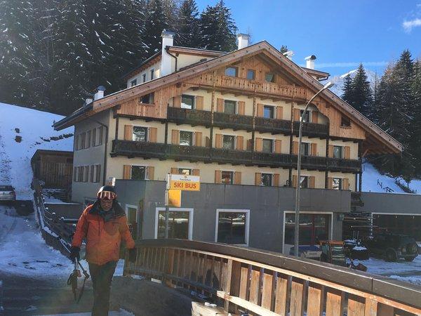 Foto esterno in inverno Casa Buffaure a Parte