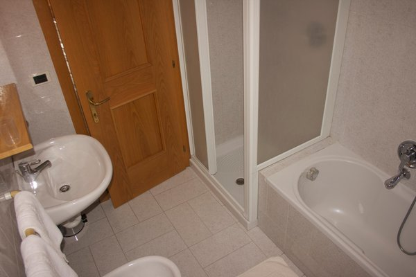 Photo of the bathroom Apartments Casa Cima Dodici a Parte