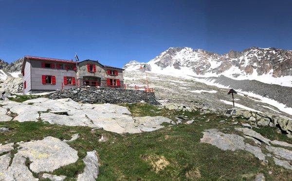 Sommer Präsentationsbild Berghütte Cesare Ponti