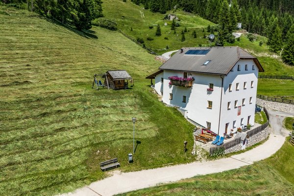 Foto Außenansicht im Sommer Ciasa Merscia