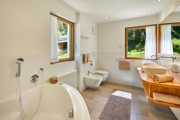 Photo of the bathroom Farmhouse apartments Lüch Rudiferia and La Morinara
